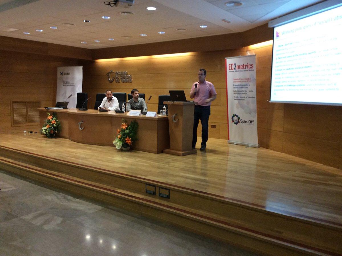 Presentación de Medialab UGR y sus proyectos en la Scientometrics School