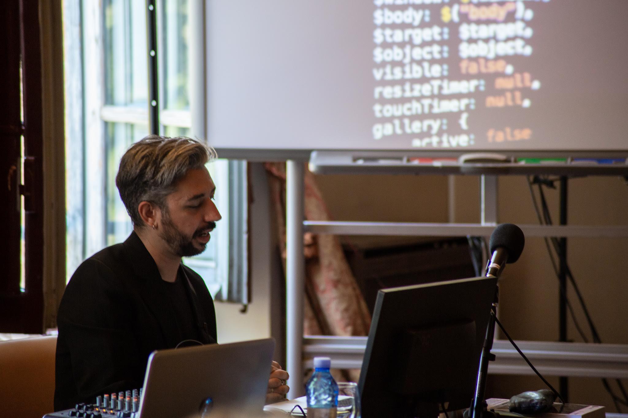 La tesis doctoral de Javier Cantón, miembro de Medialab UGR recibe un premio nacional como una de las mejores en Comunicación